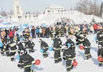 1500спасателей встали на коньки, чтобы рассказать москвичам о себе